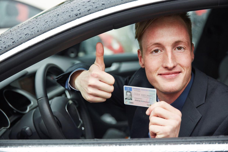 Auto-école contact + : La promesse d'obtenir son permis ?